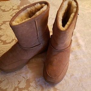 Bearpaw Dark Tan Suede Boots